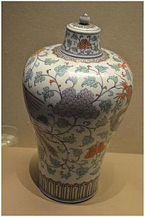青花竹石芭蕉纹玉壶春瓶