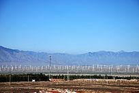 乌鲁木齐天山下的达坂城风力发电站