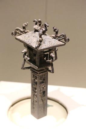 西周燕国楼台形镂空铜饰件