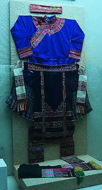 广西民族服饰
