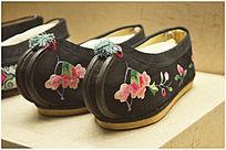 满族刺绣鞋子