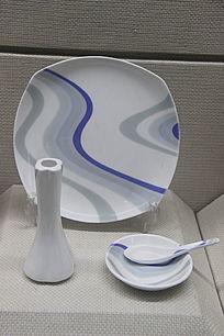 镁质瓷行云流水餐具