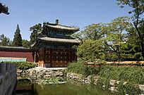 北京北海公园小西天方亭