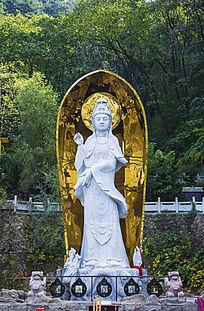 千山灵岩寺玉石观音像雕塑