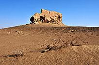 沙漠化的大同城遗址