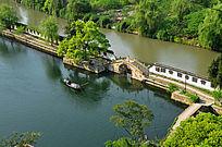绍兴东湖分隔湖水