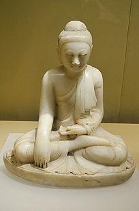 汉白玉释迦牟尼佛像