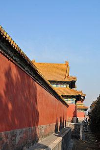 北京故宫红墙琉璃殿