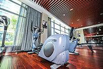 健身房健身器械健身车高清照片大图
