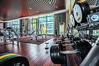 健身房健身器械哑铃高清照片大图