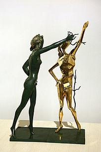 达利雕塑致敬舞蹈女神