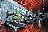 健身房高档跑步机高清摄影大图