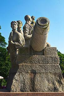 抗战英雄人物与大炮雕刻艺术图片