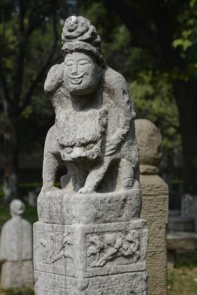 拴马石骑虎人物石雕