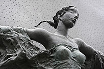 铜像青春少女