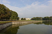 湖面与欧洲城堡