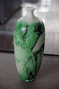 绿彩琉璃瓶