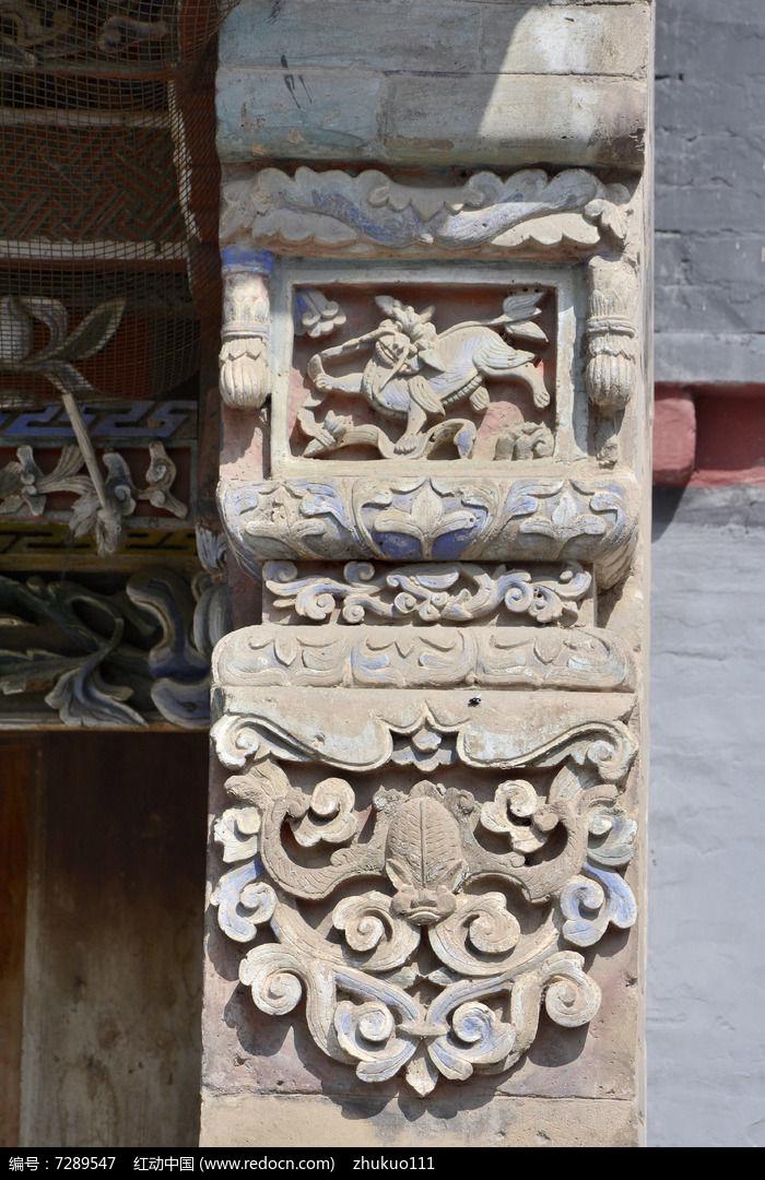 青海塔尔寺彩绘砖雕