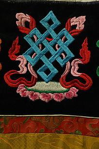 藏绣莲花座和吉祥图案