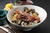日式海鲜色拉