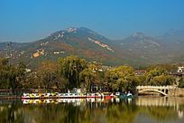 五彩斑斓的泰山山水风光