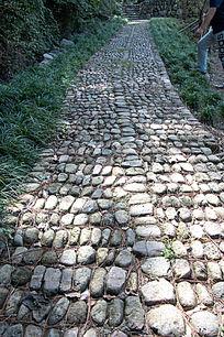 山间碎石小路