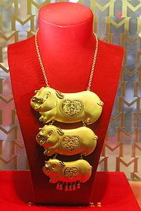 小猪纯金项链