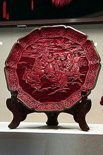 剔红雕刻图案圆盘