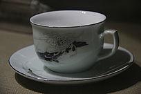 鲁青瓷九头手绘茶杯碟
