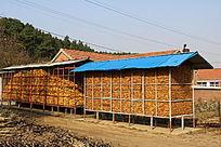 北方的农家粮仓