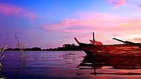 虹彩湖面风景