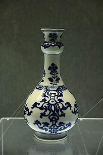 清朝青花花卉纹蒜头瓶