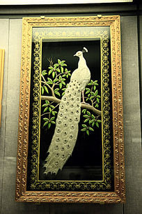 嵌珠刺绣白孔雀