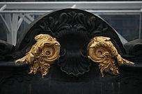 金色翅膀雕刻