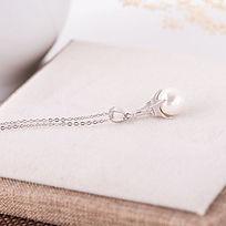 珍珠吊坠项链