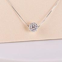钻石吊坠项链