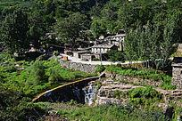 深山中的村落民宅