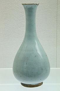 元代月白釉玉壶春瓶