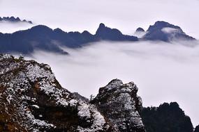 神农架神农谷云上的雪霜