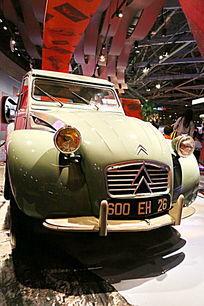 法国雪铁龙2CV汽车