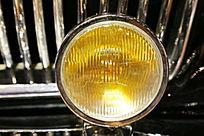 国产红旗CA77A小轿车大灯