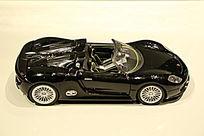 黑色敞篷跑车模型