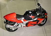 红色摩托车模型