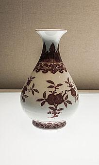 清代雍正时期釉里红三果纹玉壶春瓶