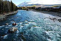 流淌的河流