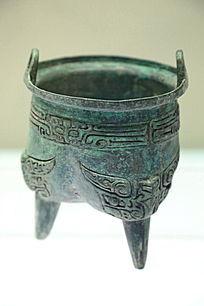 商代饕餮纹青铜鼎