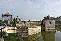尚蒂伊城堡入口