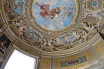 尚蒂伊古堡屋顶壁画