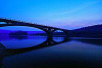 激流河大桥夜景