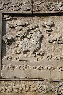 石雕古代瑞兽海水纹